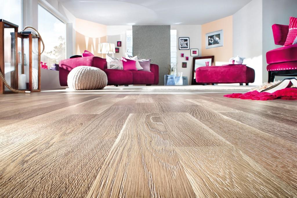 Hochwertige Bodenbeläge wie Holzparkett inkl. fachgerechter Verlegung günstig